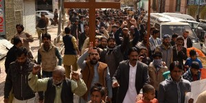 Pakistani Christians protest their lack of protection after churches are bombed by Taliban in Lahore (Photo Credit: Xinhuanet/Asad)