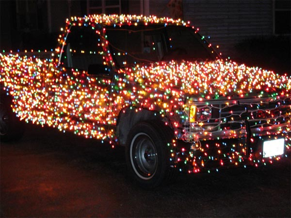 Christmas Truck, with 3000 lights (Photo credit: Geeky-gadets.com)
