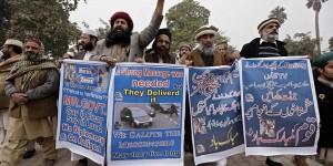 Muslims in Peshawar, Pakistan rally in solidarity with Charlie Hebdo murderer jihadists (Photo credit: EPA)